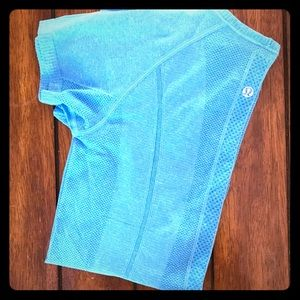 V-Neck Swiftly Tech Tee